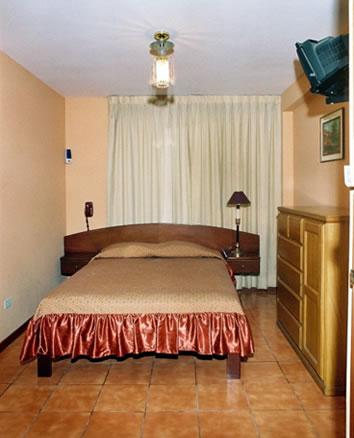 Hotel Las Artes Inn