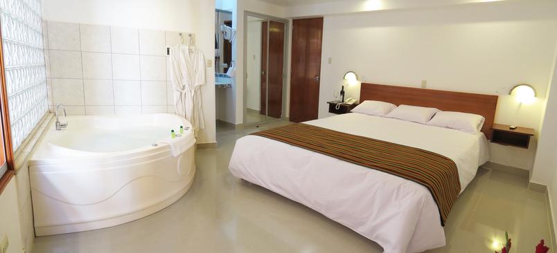 Hotel_FlowersHouse1
