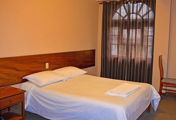 Hotel Andes Warak