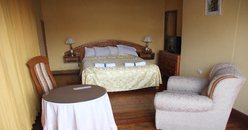 Hotel Lluvia de Oro