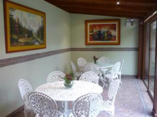 Hotel Sevilla House