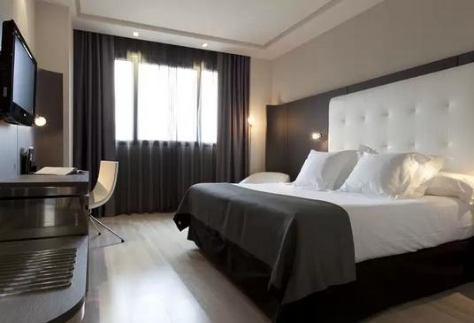 HotelMaydritAirport1563271175