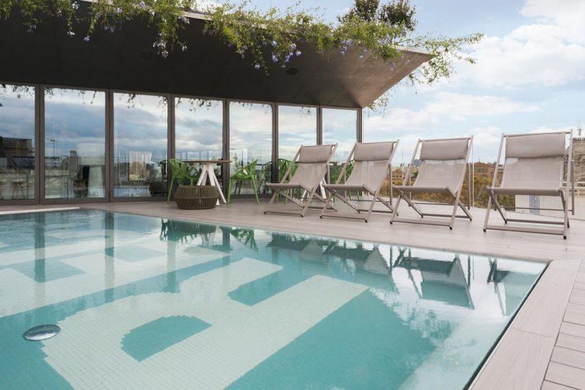 piscina1562950201