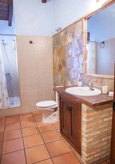 Casa Roble baño1