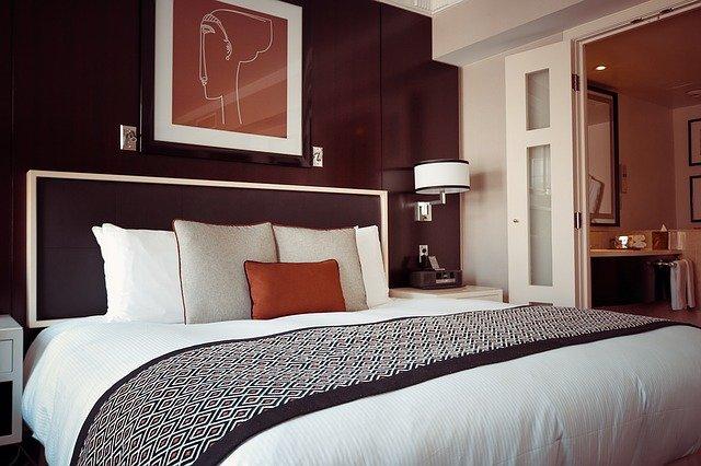 Decorando camas de hoteles